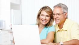 Senior-couple-working-online_Dollarphotoclub